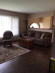 3 bedroom apt.main floor of house Sarnia Sarnia Area image 4