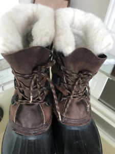 SOREL Winter Boots with Removable felt lining size 8 men