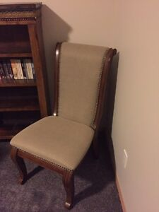 Beautiful Wood & Cloth Occasional / Accent Chair