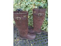 Ladies Boots Ariat Derwent H20. Size 6 1/2.