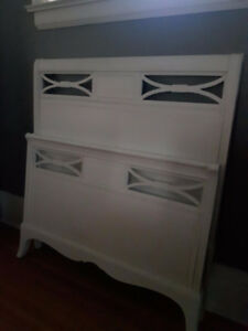 ANTIQUE WHITE PAINTED SINGLE BED /  VANITY DRESSER DOUBLE BED