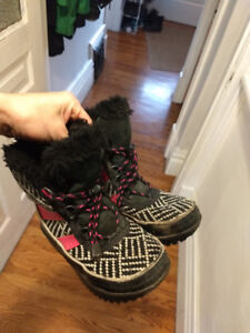Girls size 1 sorel boots