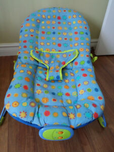 Baby musical vibrating bouncy chair/lounge