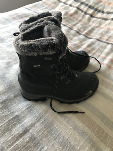 Northface Winter Boots Size 8.5