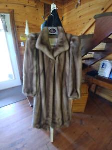 Manteau de fourrure de vison royal pastel