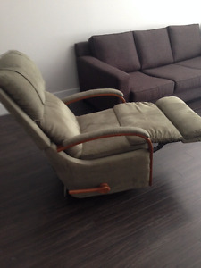 Super Comfortable Recliner $150 Langley