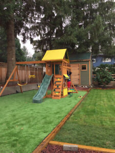 3 Bedroom House(lots parking,playground) Maple Ridge