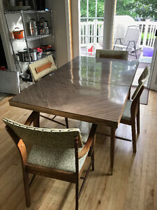 Table and Chairs-restore ready