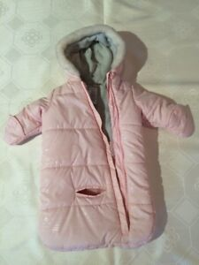 Baby Girl Carters Bunting Bag/ Snow Suit Size 0-6 months