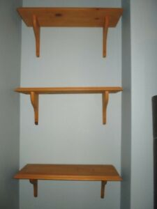 Tablettes murales en bois / Wall Shelves (3)