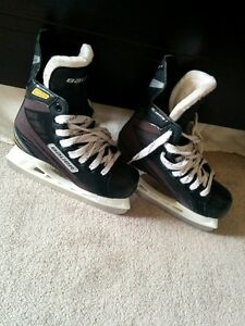 Bauer skating shoes