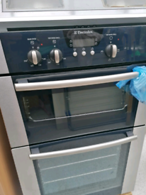 Double oven and extractor fan