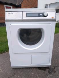 Miele tumble dryer commercial 25 amp PT7136 plus