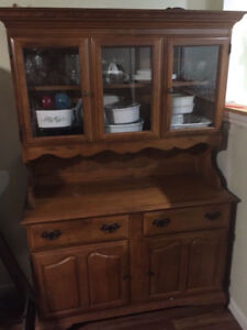 Hutch/ display cabinet in good condition