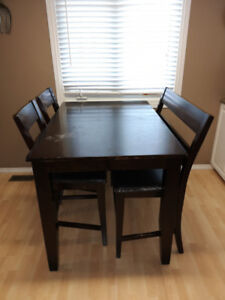 Kitchen/Dining room table & chairs