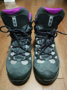 Size 10 Salomon Hiking Boots