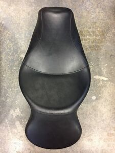 DYNA WIDE GLIDE STOCK SEAT