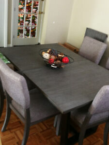 5 months New 8 Seat Dining Set with Sideboard/Buffet