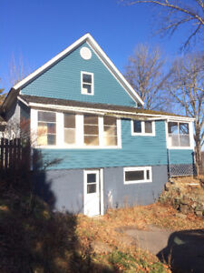 HANDYMAN SPECIAL / SLOPED LOT FOR NEW HOUSE - EDGETTS LANDING