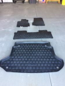 2002-2006 OEM CRV Rubber Floor Mats & Trunk Tray