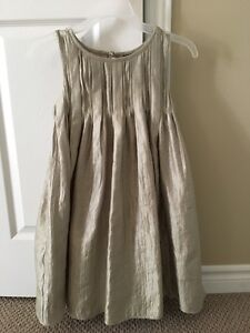 Girls holiday or party dress size 8 Kitchener / Waterloo Kitchener Area image 1