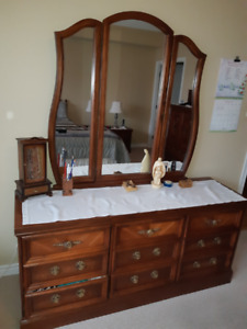 Bedroom Set - High Quality Solid Wood Immaculate Condition
