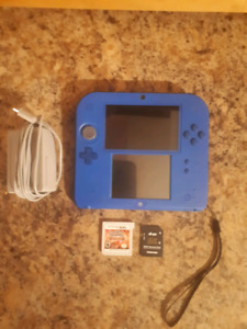 Nintendo 2DS System With Charger, Memory Card And 2 Games!