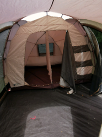 4 Man tent with extra Canopy