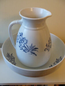 Copeland Pitcher and Basin