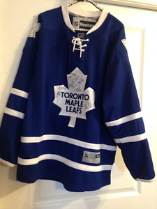 Toronto Maple Leafs autographed jersey