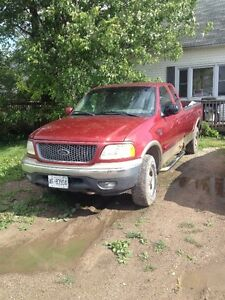 SELLIN SUPER CHEAP 4X4 LOADED LOW KMS ONE OWNER