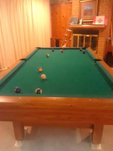 Brunswick 4X8 Pool Table