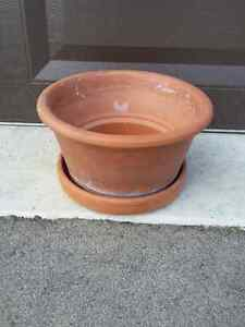 Silma Terracotta planter pot with saucer Made in Italy London Ontario image 1