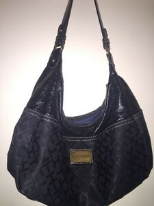Small Black Tommy Hilfiger Purse Cambridge Kitchener Area image 1