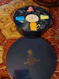 ROYAL WORCESTER COFFEE SET COMMERATING HRH THE QUEEN