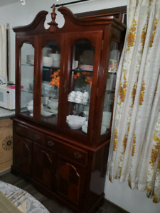 China cabinet nint condition.