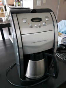 Cuisinart coffee maker (auto grind and brew thermal)