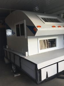 Campeur artisanal neuf pour camionnette