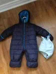Carters snowsuit for boys size 12 months and tuque