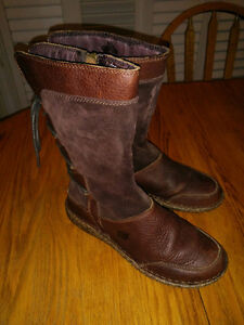 Born Full Grain leather Boots, Girls Sz 4, Like NEW!!   READ the
