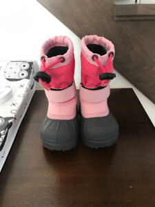 Kids Columbia winter boots size 4 toddler