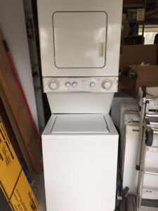 "24"" Whirlpool Stackable Washer Dryer Combo ! ! !"