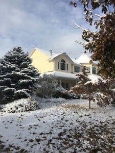 Large Home in Kaleden (5 minutes from Penticton)