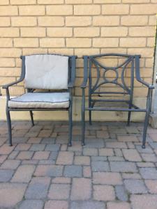 6 Chaises de patio avec coussins