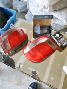 2005 Toyota Echo Hatchback Tail Lights and Front Brake pad