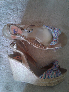 EUC Womens shoes/sandals!