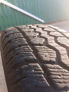 MotoMaster P235/70/R16 winter tires with Hyundai rims
