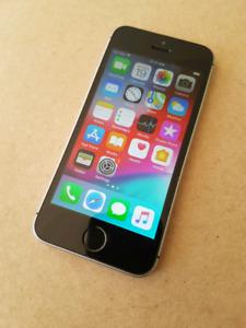 iPhone SE 64GB avec Accessoires