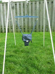 Jolly Jumper with stand and door frame mount and music mat