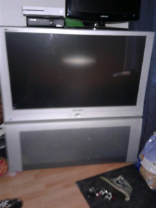 "TV 46"" panasonic"
